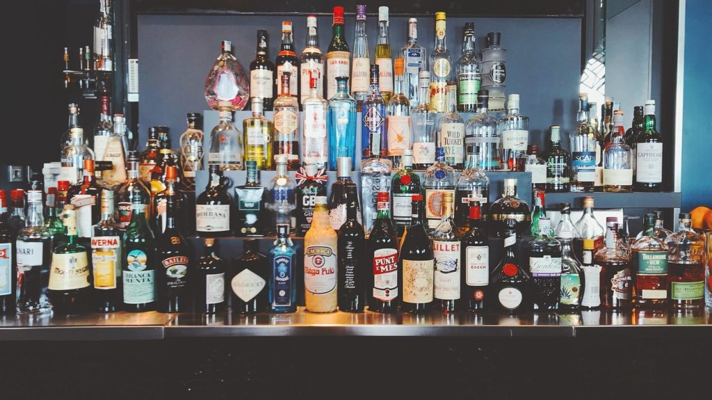 All About Whiskey Drinks | The Alcohol Cover Up